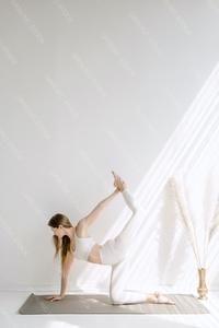 DS_YogaColl_WM_11