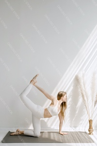 DS_YogaColl_WM_12