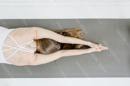 DS_YogaColl_WM_14